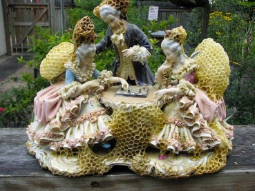 Aganetha Dyck works with bees to create incredible honeycomb art