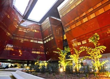First pics of Foster + Partners futuristic incubator building at Masdar City