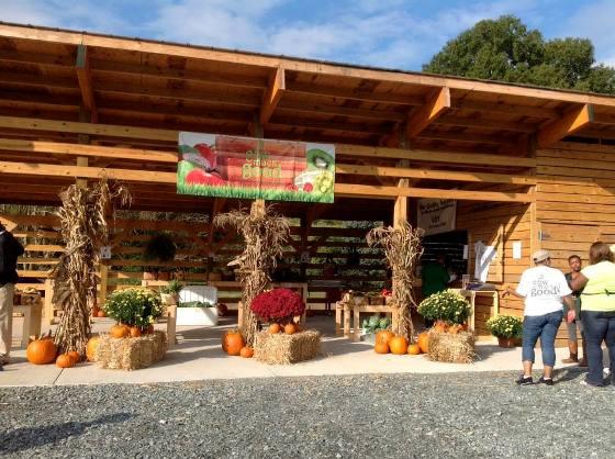 SMG urban farm vegggie stand