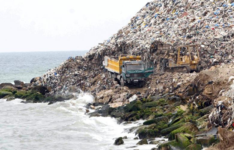 Lebanon's Sidon garbage mountain to become city park