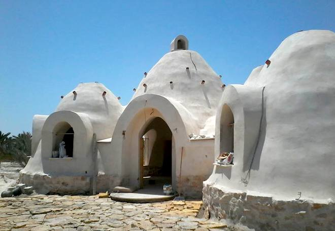 Nader Khalili-style dome home built by Palestinians for Palestinians