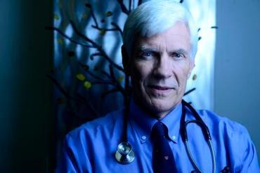 """Dr. """"Cannabis"""" Alan Shackelford puts medicine into marijuana, in Israel"""