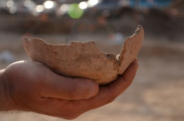 Archeologists unearth 5000-year-old micro-brewery in Tel Aviv!