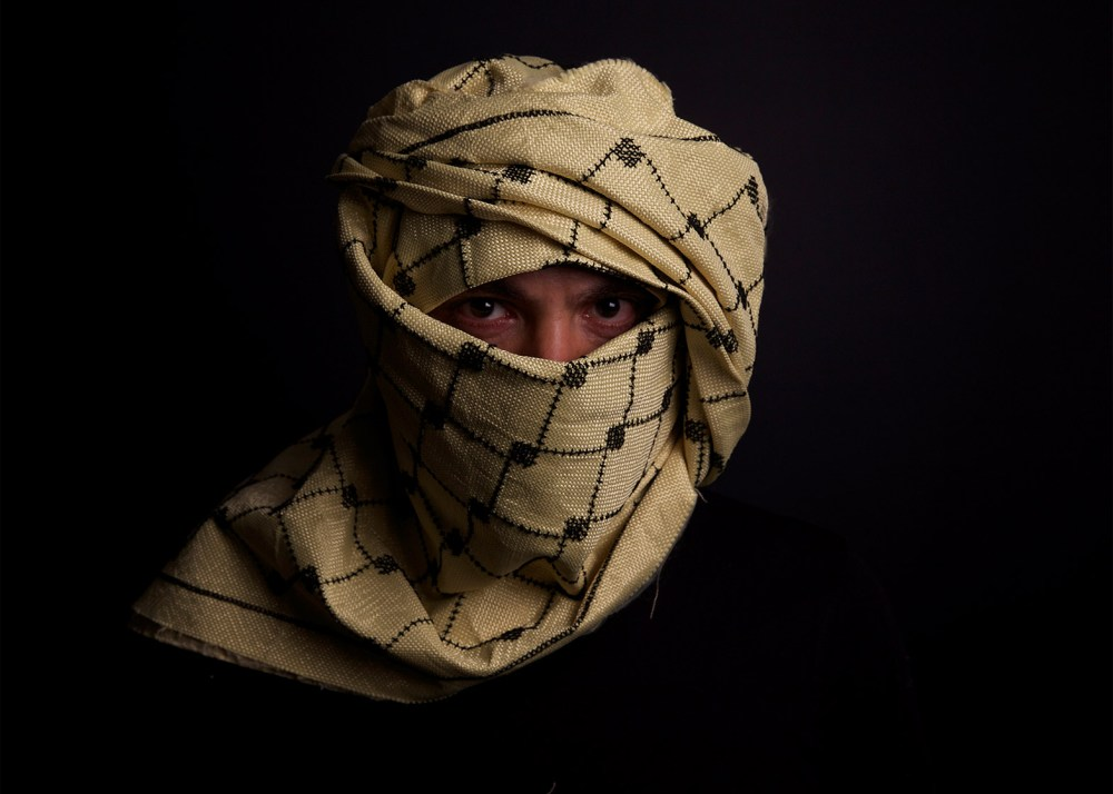Beirut architect designs bulletproof Kevlar keffiyeh