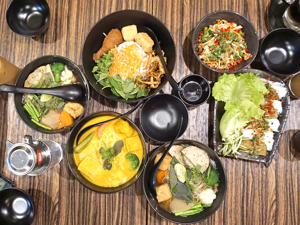 Happy Vegan Cook Blogger Bobo Chow39s Top 5 Lunch Spots