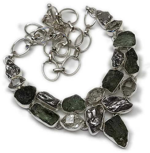 Raw Moldavite Necklace - Mysterious Extraterrestrial Moldavite – Greetings from the Past