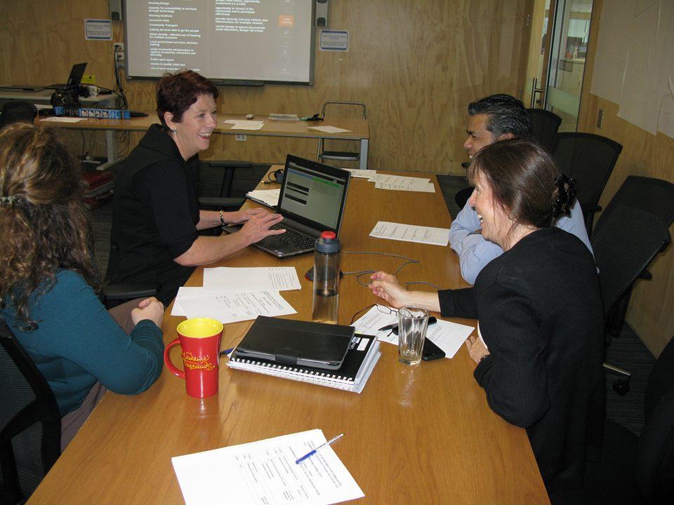 Online tools for business workshops – Talk versus Tech.