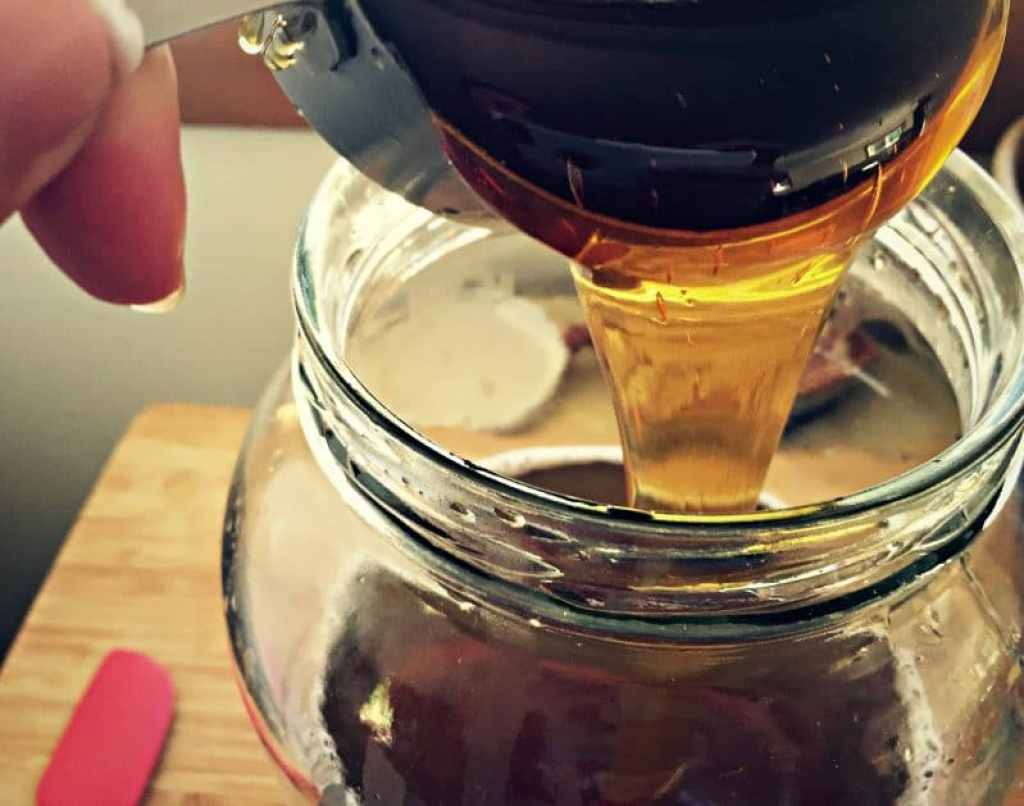 pour in honey