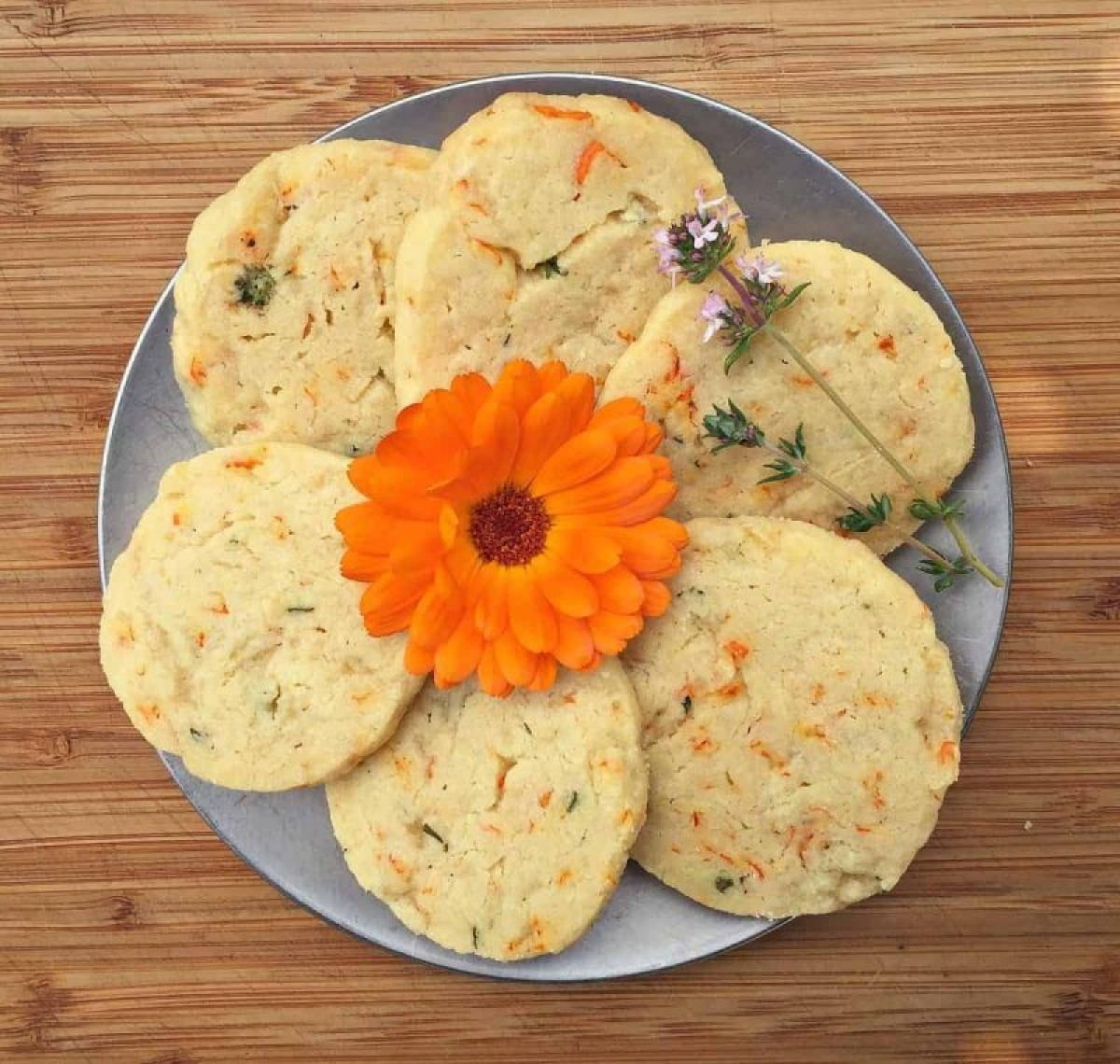 how to make flower shortbread cookies