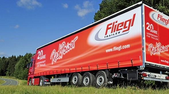 fliegl-trailer-031816.jpg