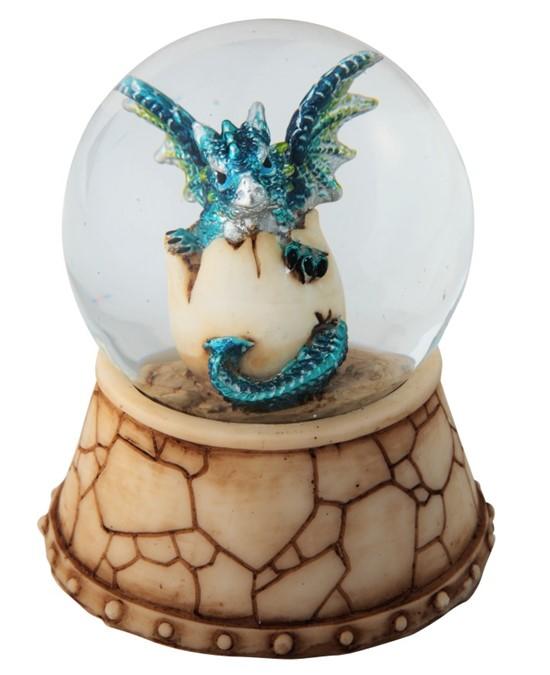 giraffe snow globe