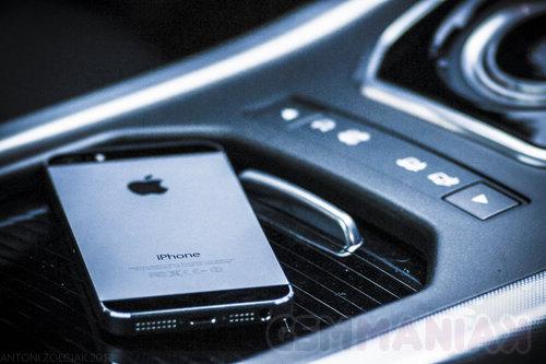 Apple iPhone 5s / fot. gsmManiaK.pl
