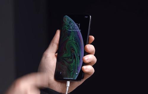 iPhone nie ładuje się nawet po wybudzeniu / fot. Unbox Therapy