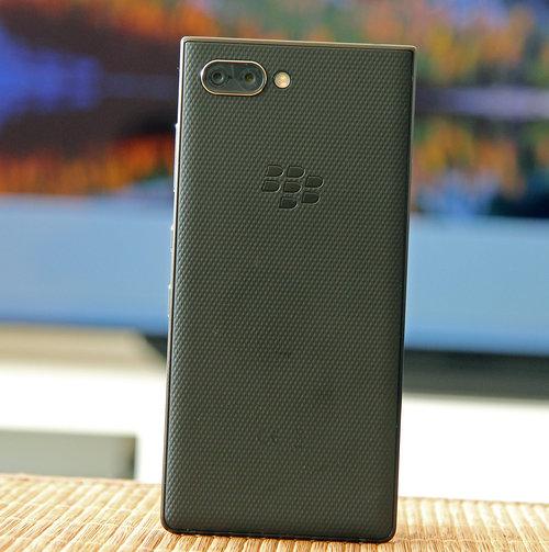 BlackBerry KEY2 / fot. gsmManiaK.pl
