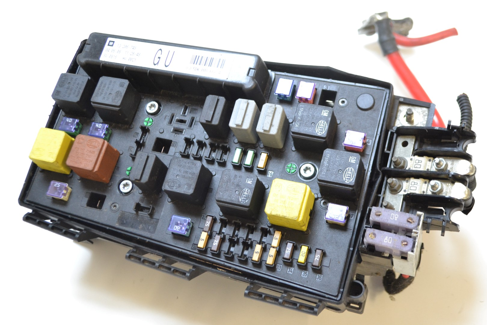 astra h under bonnet fuse box