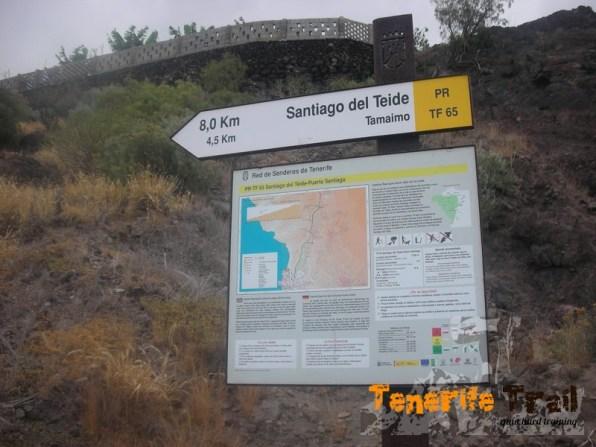 Inicio PR 65 señal al lado de la carretera