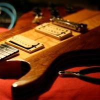 Changer les cordes de sa guitare