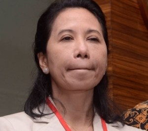 Rini Soemarno menjual aset negara