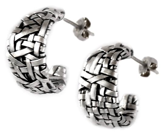 loop earrings handcrafted in fine silver by gurgel-segrillo
