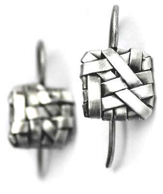 square earrings handcrafted in fine silver by jewellery designer gurgel-segrillo