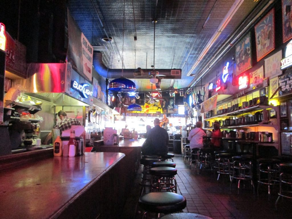 3 Nights in Nashville: A Chicagoan's Guide to Drinking in Music City
