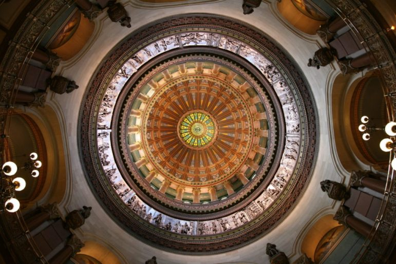 Illinois_State_Capitol_dome