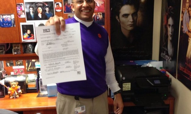 5 Star Clemson Recruit Loves Twilight? Probably is on Team Edward