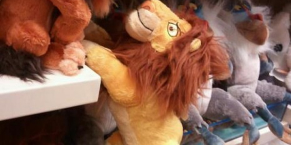 How Could You: Dad films daughter's reaction to watching Mufasa die