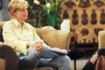 """ELLEN - """"The Puppy Episode"""" - Airdate: April 30, 1997. (Photo by ABC Photo Archives/ABC via Getty Images) ELLEN DEGENERES;OPRAH WINFREY"""