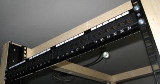 DIY Server Rack  Cabinet - hack247
