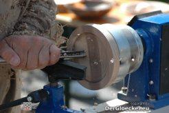 Holzdrechslerarbeiten in Nahaufnahme