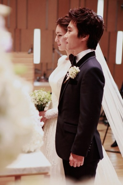 Kim Jung-hwa and Yoo Eun-seong get married @ HanCinema ...