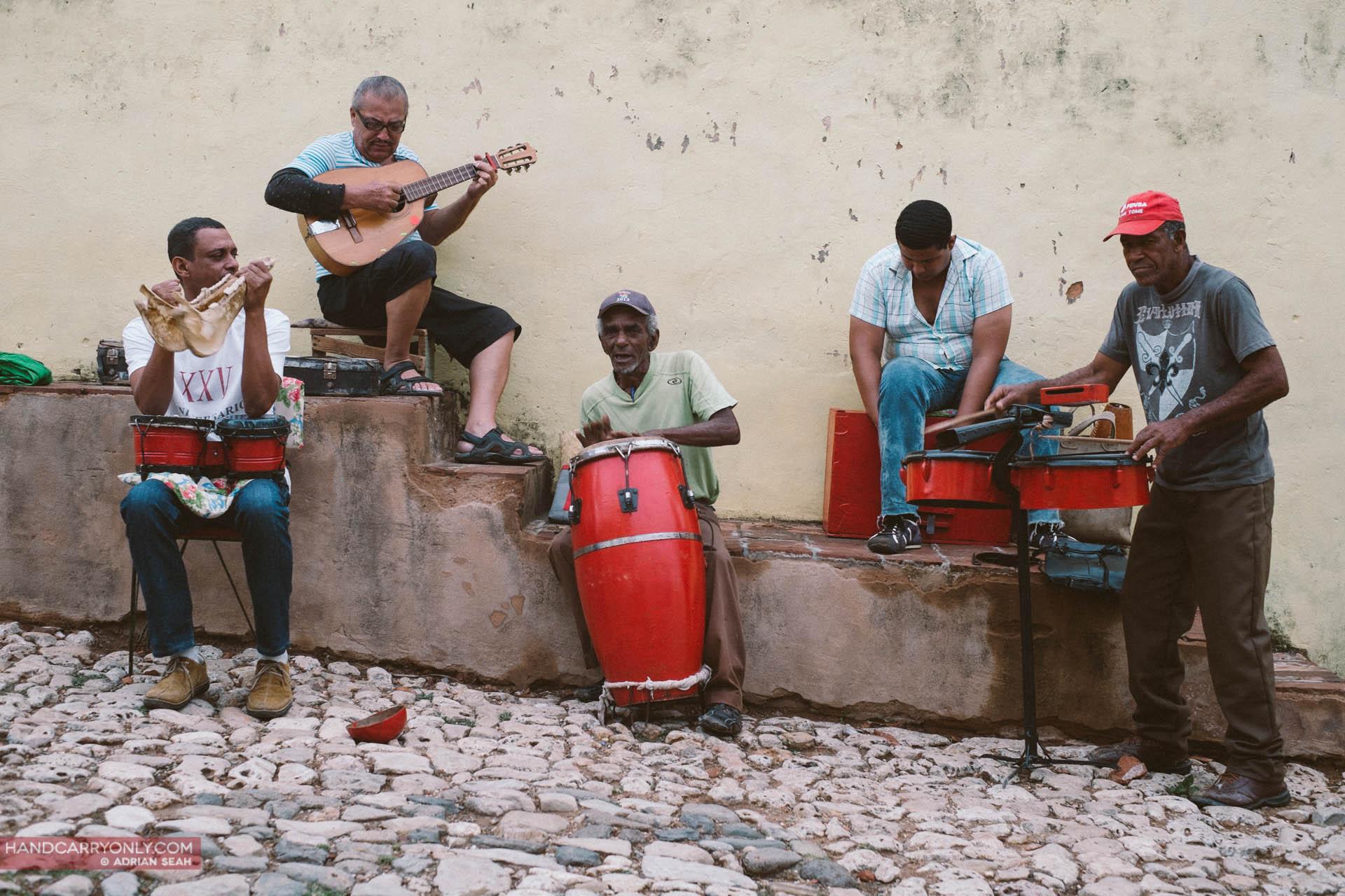 cuban musicians on the street