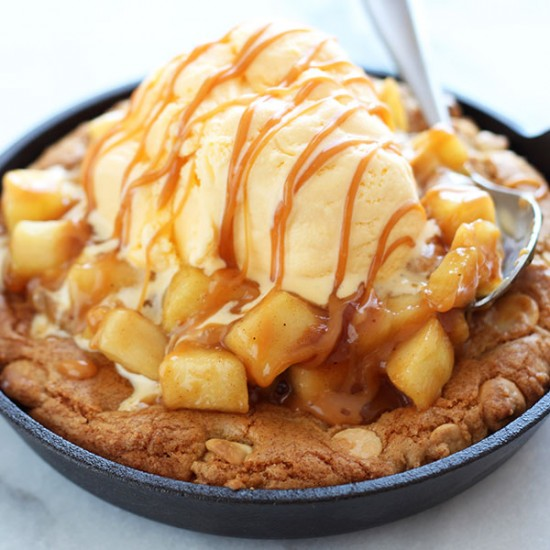 Salted Caramel Apple Pie Pizza Cookie - Handle the Heat