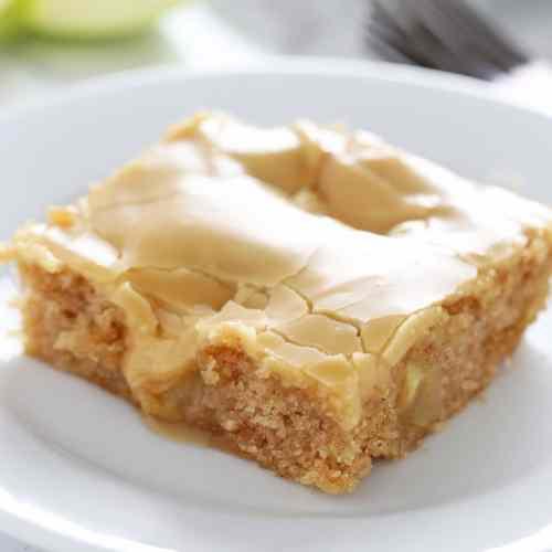Sweet Salted Caramel Apple Sheet Cake Handle Heat Half Sheet Birthday Cake Size Half Sheet Cake Size Pounds