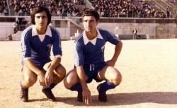 Δύο χρονιές αγωνίσθηκε στον ΑΟΧ ο Μανώλης Φοράκης (1975-77) που πέτυχε 29 τέρματα ενώ στη συνέχεια έγραψε ιστορία με το Αιγάλεω (αριστερά)