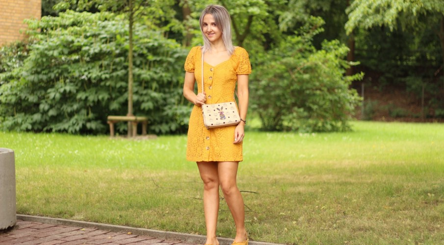 Abercrombie yellow dress