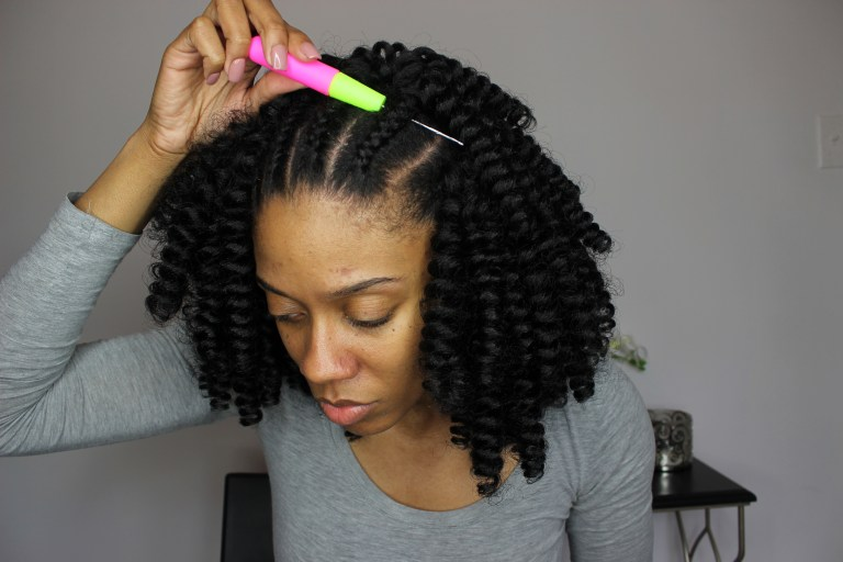 Crochet Braids Hook : insert crochet hook under your braid place loop in hook