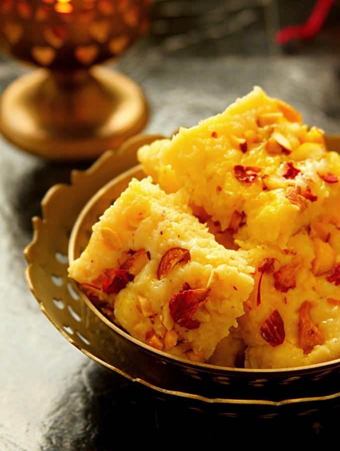 Kesar Kalakand {Indian Cottage Cheese Fudge}