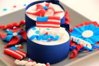 4th of July Independence Day Cupcake Toppers - Happy Foods ...