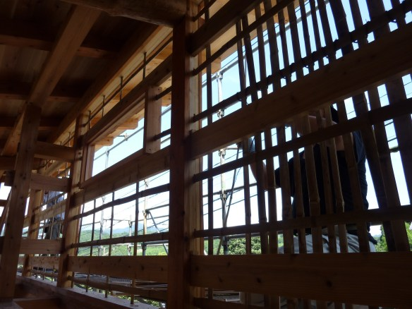 3年完熟製の真竹を使用した。竹木舞