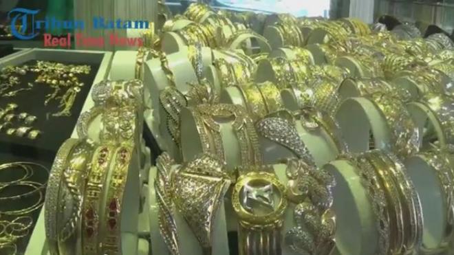 Emas Antam bertahan di harga 547 ribu
