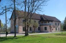 Jõepargis asub 1988.asutatud maakonna muuseum.