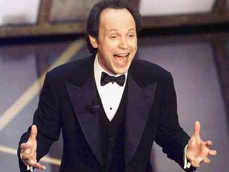 billy-crystal-oscars-1998-784f1e977a2e5871f1e4e2fe0e5cd70b8466fb47-s6-c30