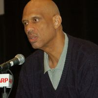 Harlem's Abdul-Jabbar Spreads Wide Wings