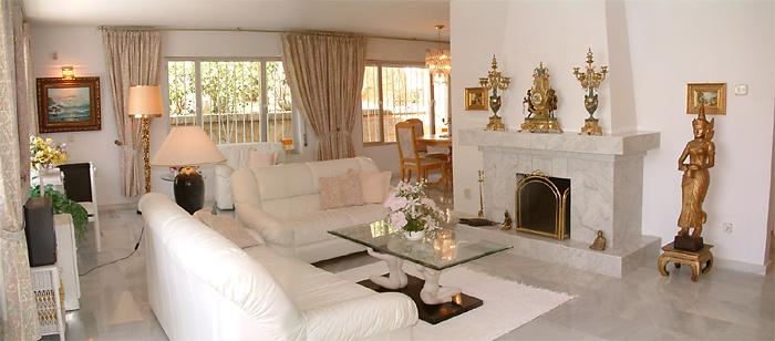 Awesome Wohnzimmer Einrichten Braun Weiss Gallery - House Design - weis braun einrichten