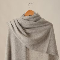 Travelwrap cashmere classic shawl in Light Silver | Hat Attic