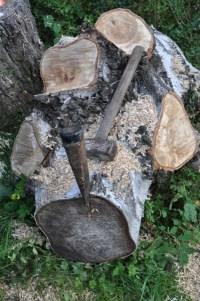 Holz fr den Kamin? Aber erst sgen, hacken und Holz