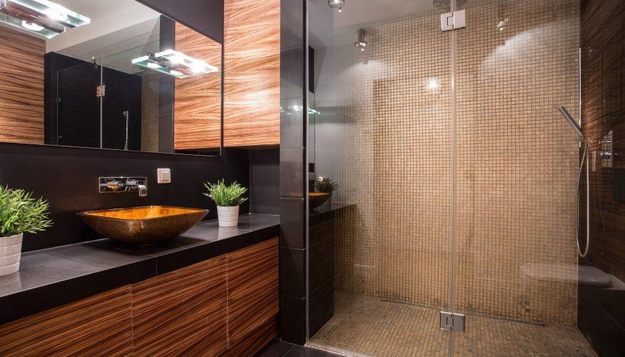Dunkles Bad heller gestalten - Mit diesen Tipps lässt sich ein Bad - badezimmer ohne fenster