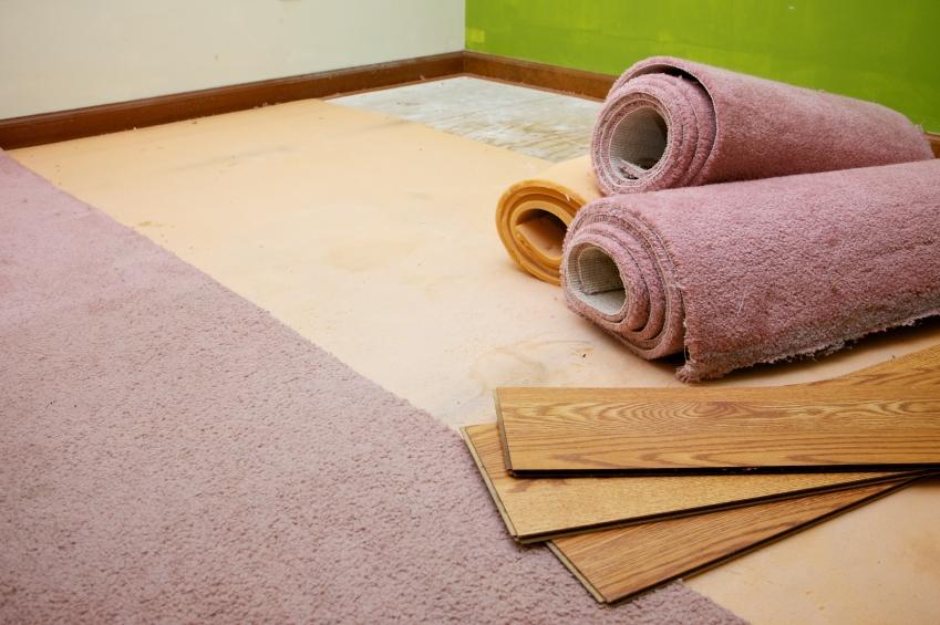 Teppich auf Laminat verlegen » So klapptu0027s problemlos - laminat verlegen